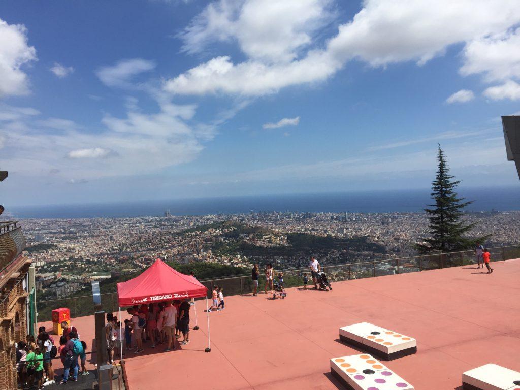 Uitzicht Barcelona vanaf Tibidaboberg
